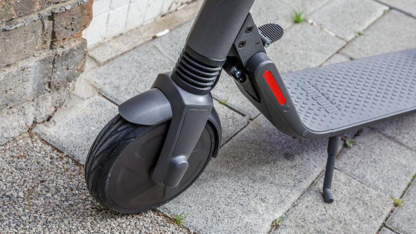 Ninebot ES4 Front Wheel, Kickstand, and Folding Mechanism