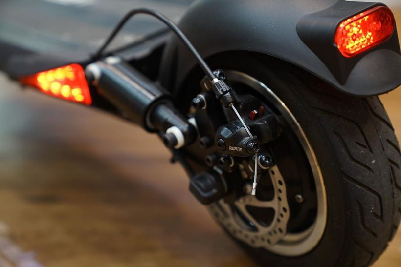Speedway 5 Rear Wheel Disc Brake and Turn Signals