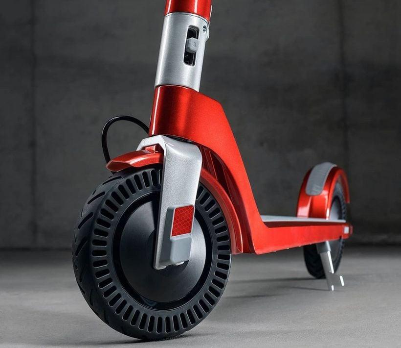 Unagi Model One Innovative Tire Design
