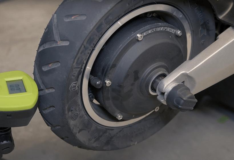 Apollo Pro Tires