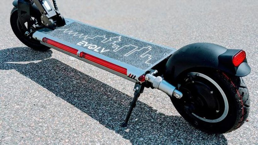 Evolv Tour XL Deck and Rear Wheel Suspension