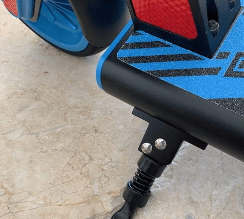 GoTrax GKS Colorful Deck and Kickstand