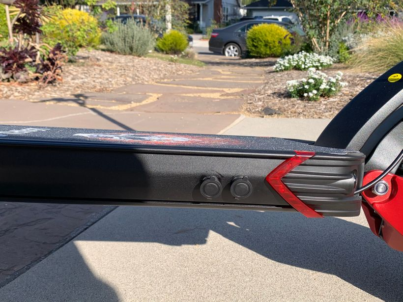 Side Profile of Varla Eagle One Deck