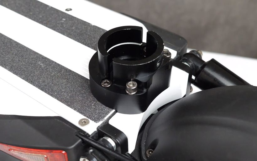 Close Up of EMOVE Cruiser Seat Base Plate