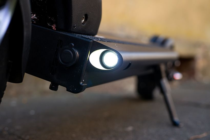 Close Up of Horizon Front Button Lights