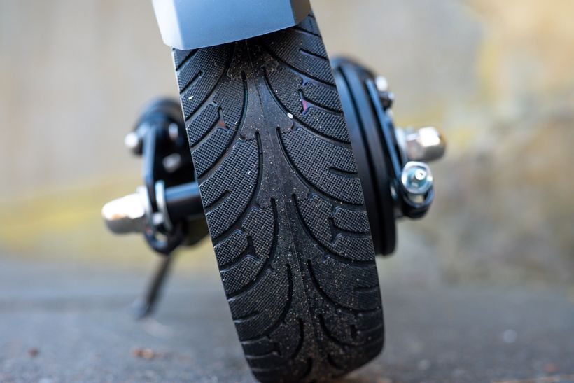Close Up of Horizon Rear Solid Rubber Tire