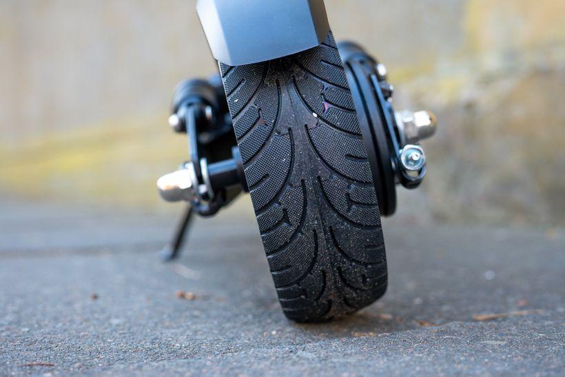 Horizon Rear Solid Rubber Tire