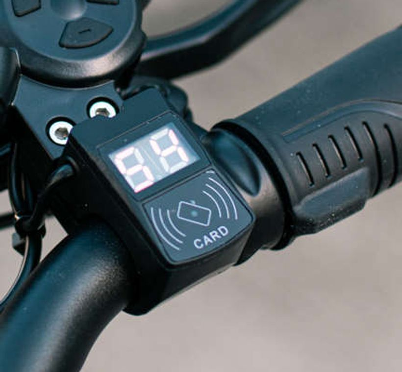 VSETT 9 Battery Voltmeter
