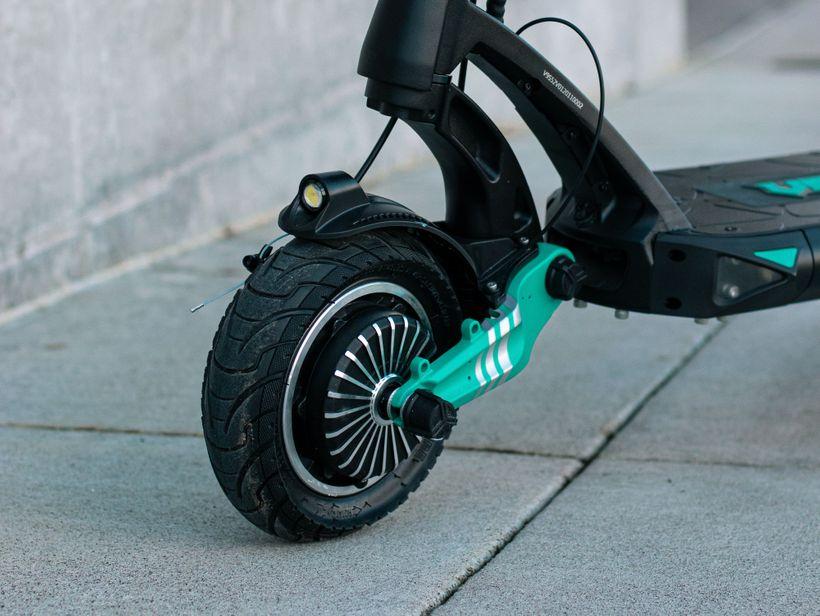 VSETT 9 Front Air-Filled Tire