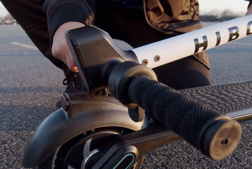 Hiboy NEX Handlebars Clipped into Rear Fender