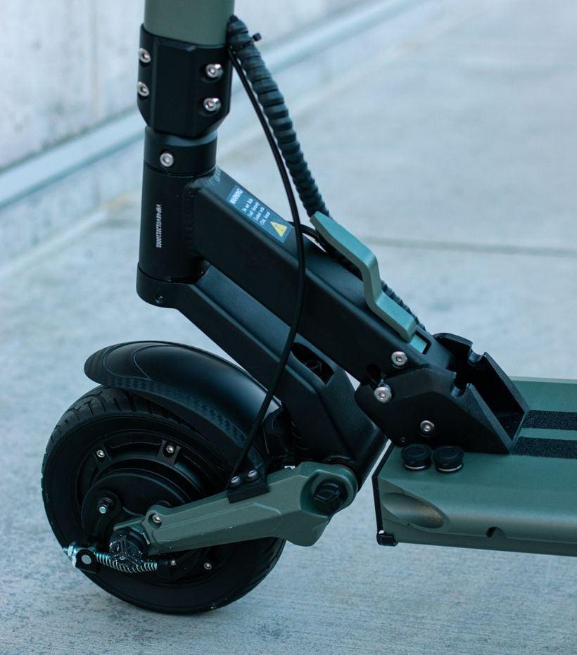VSETT 8 Front Tire and Swingarm Suspension