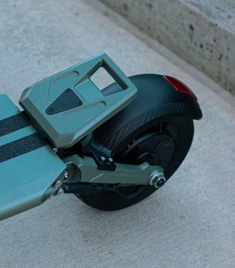 VSETT 8 Kickplate & Rear Tire