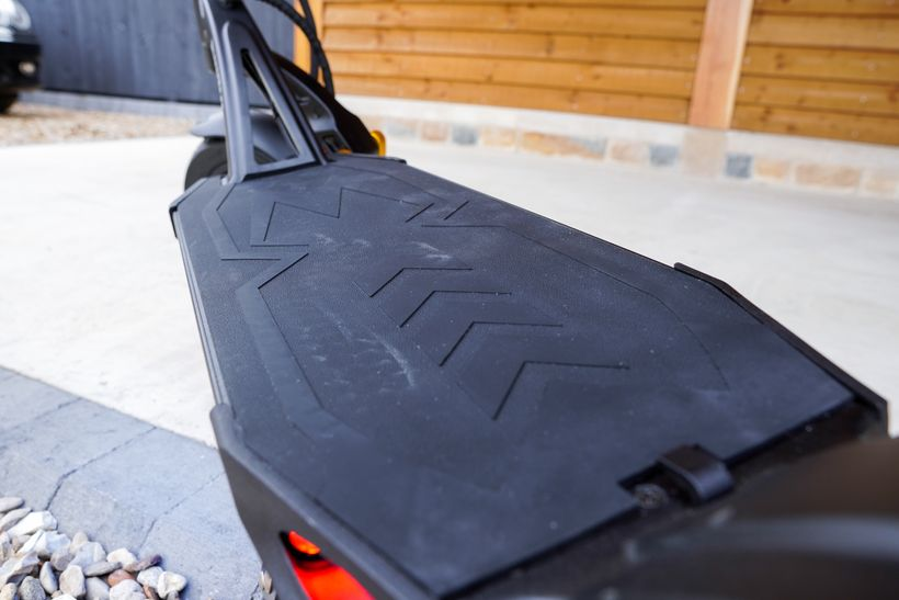 Close up of the Mantis Pro SE Rubber Matting on the Deck