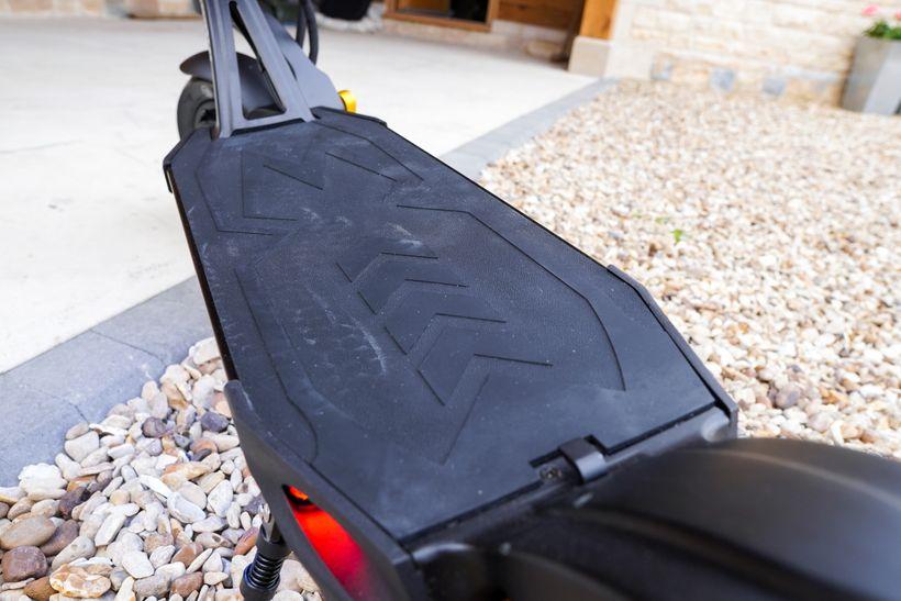 Mantis Pro SE Deck Covered in an Anti-Slip Rubber Veneer
