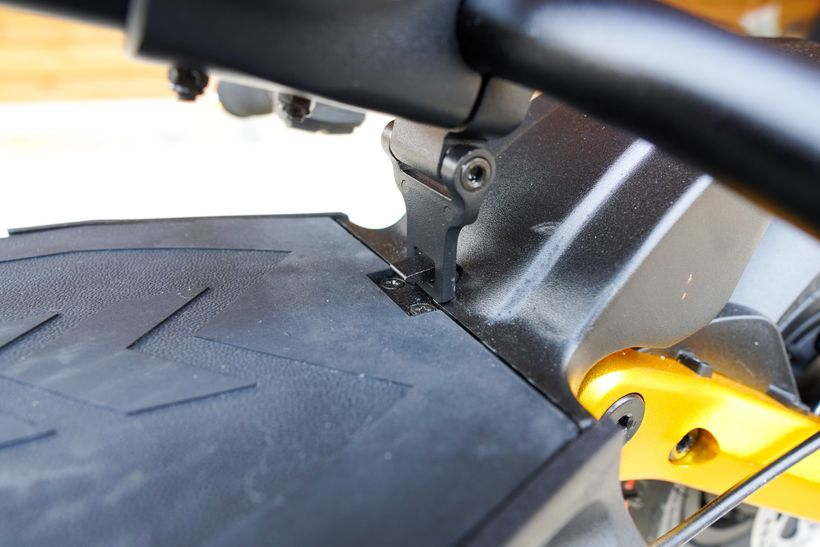 Mantis Pro SE Handlebar Latch Locked into the Deck Hook