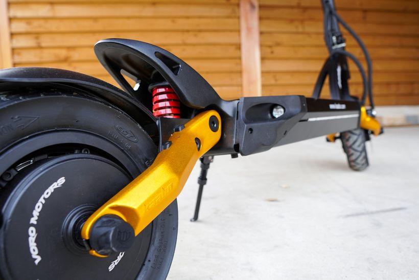 Mantis Pro SE Rear Swingarm and Spring Suspension