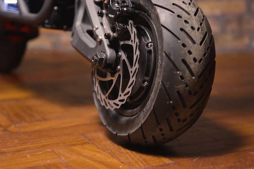 NAMI Burn-e Large Front Tire