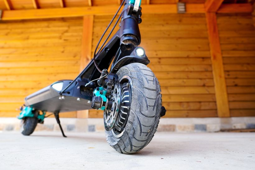 VSETT 9+ Front Air-Filled Tire
