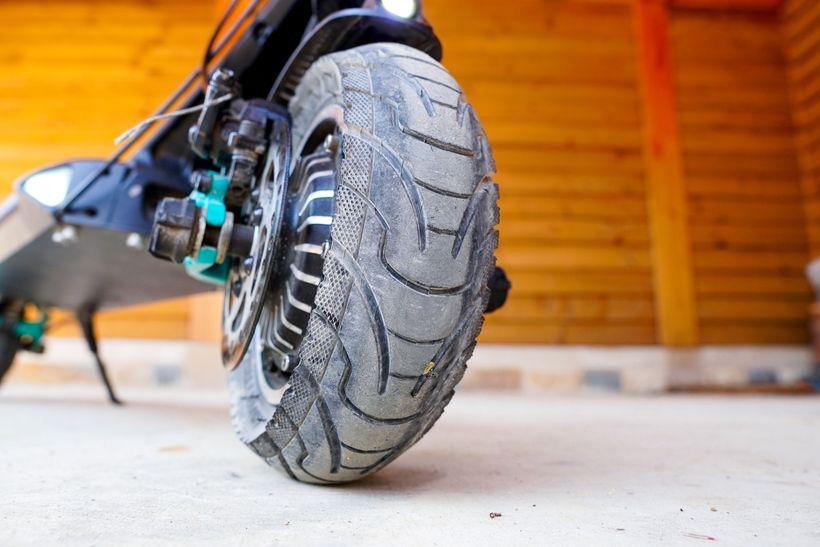 VSETT 9+ Tire Tread
