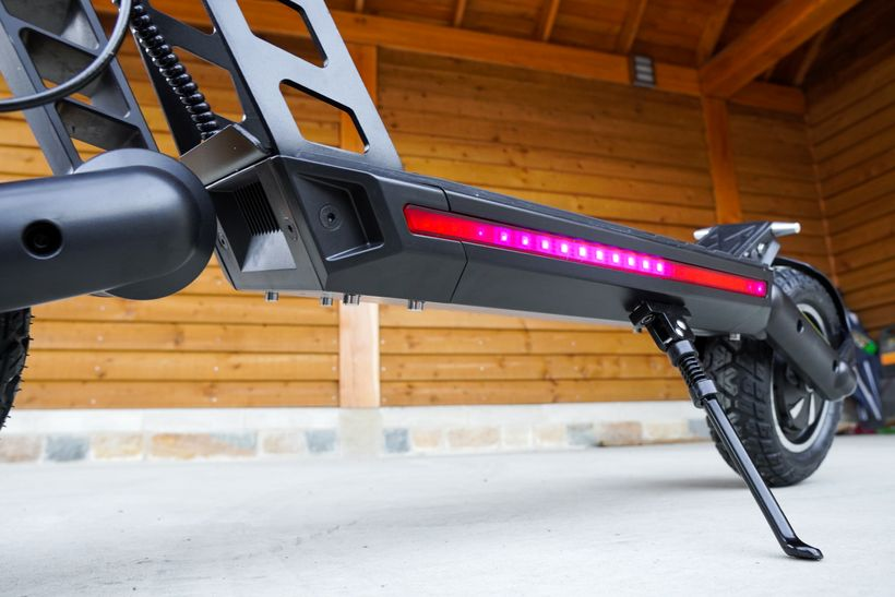 Kugoo G2 Pro Color Changing Deck Lights