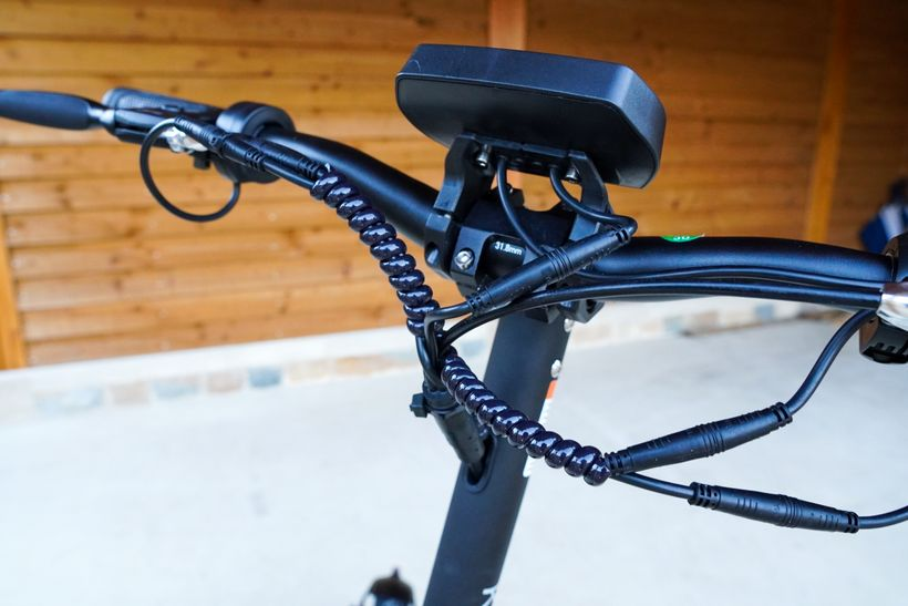 Kugoo G2 Pro Front of Handlebars and Cord Wrapped Up