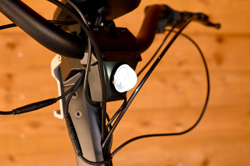 Side Profile of Apollo Phantom Headlight